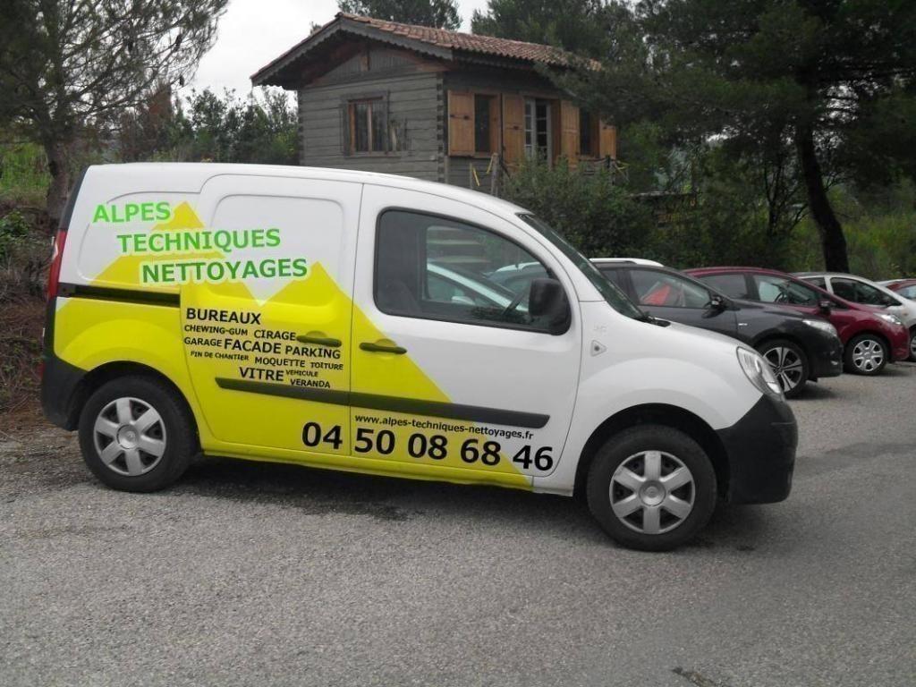 Publicité véhicule entreprise de nettoyage